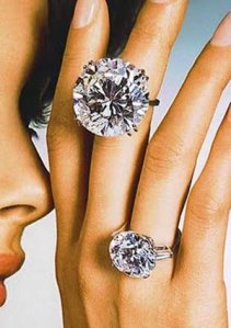 3-8-woman-diamond-jewellery
